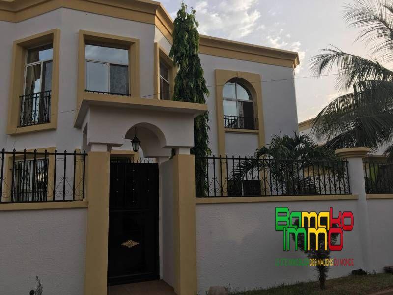 Location propri t s de prestige cit du niger refa for Maison de prestige a louer